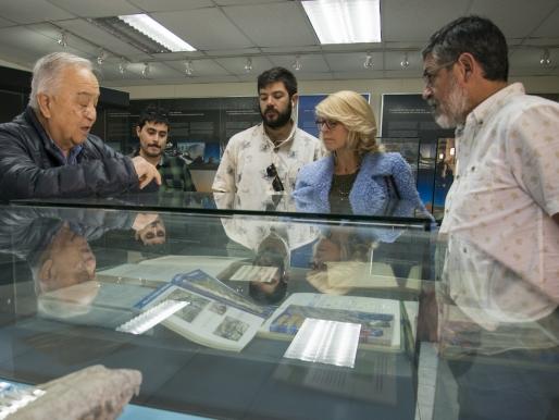 COMPRENDER EL DESIERTO DE ATACAMA: ARTISTAS SE REÚNEN CON EL ESPECIALISTA GUILLERMO CHONG