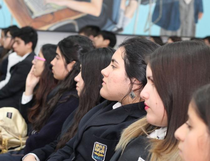 ARTISTAS SACO6 REALIZAN CONFERENCIAS EN LICEOS DE ANTOFAGASTA Y MEJILLONES