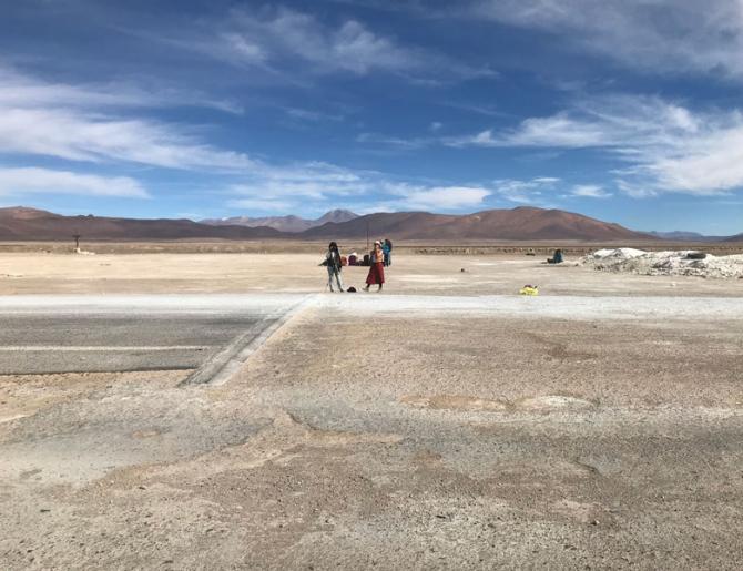 Desiertos Intervenidos II / Creando y pensando en paisajes extremos