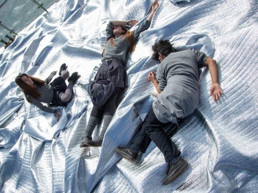 """""""Sinfín"""": la obra inmersiva que ilusiona y diluye fronteras"""