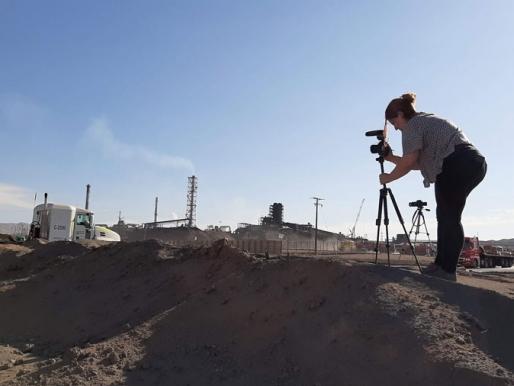 [ENTREVISTA] Simone Cortezão, artista visual y cineasta brasileña:  Construyendo experiencias visuales desde la magnitud de los procesos industriales