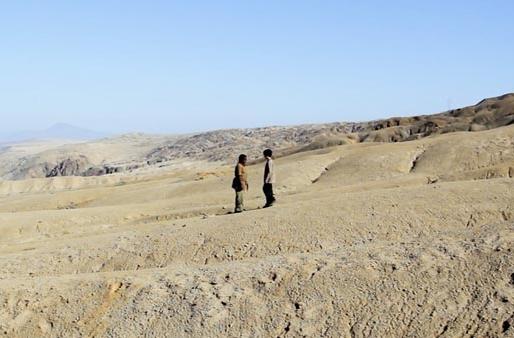 """""""Este día vimos el volcán"""": reflexiones no infantiles en un desierto post apocalíptico"""