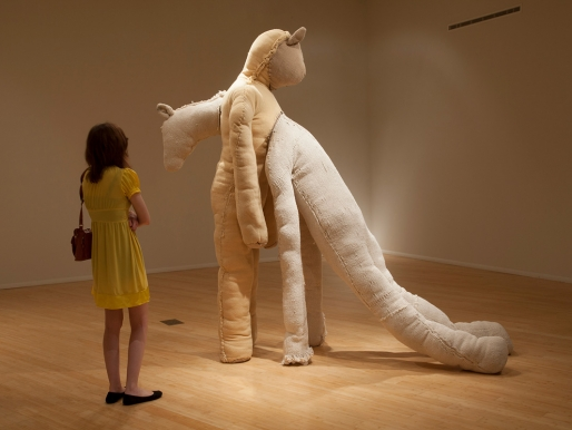 Una escultura a punto de derrumbarse
